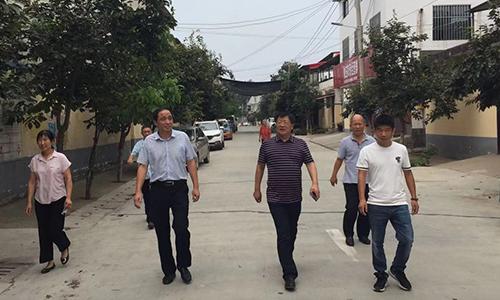 李明欣到铁炉村调研扶贫工作 中国财经新闻网 www.prcfe.com